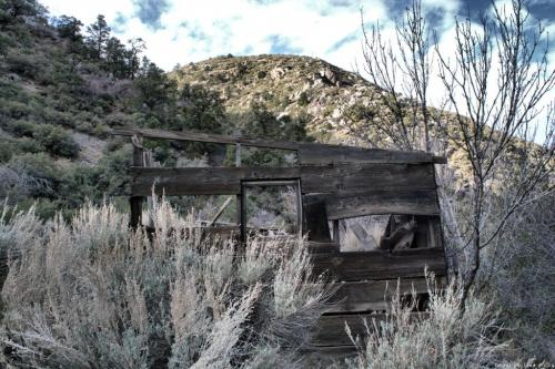 Historic-cabin-in-Cabin-Canyon.-Photo-by-Tina-Wiley-1024x682